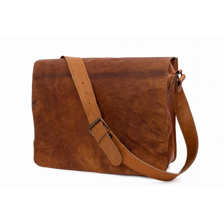 Leather bag long sleeve, bagging you nr 5 label Indistrieel € 85,--