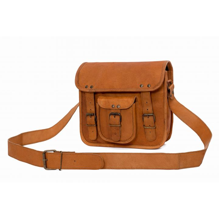 Leather bag long shoulder trap bagging you nr. 2 label Indistrieel € 65,--