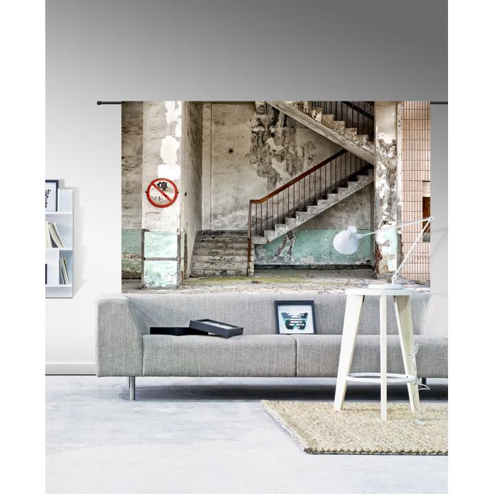 Wandkleed_concrete stairs_ Indistrieel_urban cotton.jpg